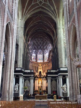 intérieur de la cathédrale Saint Bavon à Gand