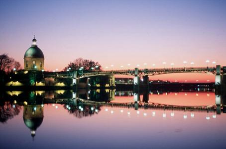 Photo toulouse le pont saint pierre et le d me de la grave - Piscine pont st pierre 27 ...